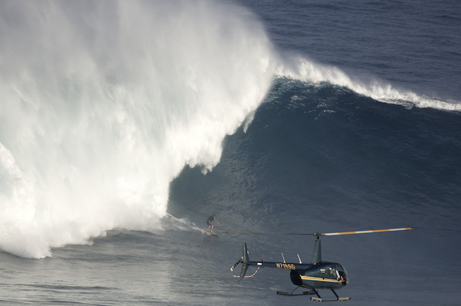 Left at Jaws? With Helicopter. Charging on December 7th, 2009.  Photo: Flindt