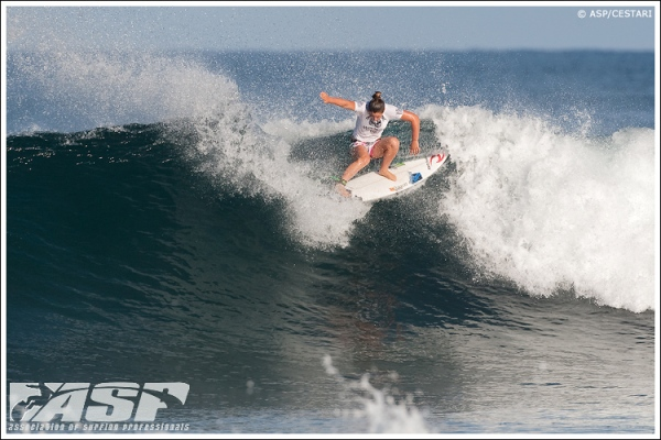 Tyler Wright (AUS), 16, one of the new faces you'll be seeing on the 2011 ASP Women's World Tour. Credit:© ASP / CESTARI