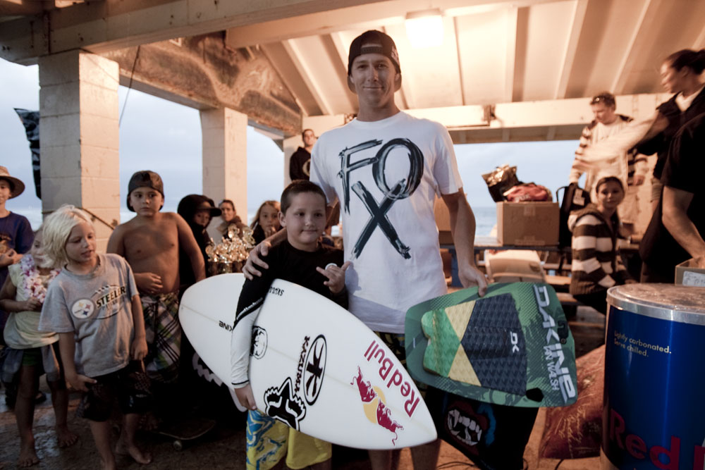 Ian Walsh, hanging out with the next generation of Maui rippers. Photo: Noyle