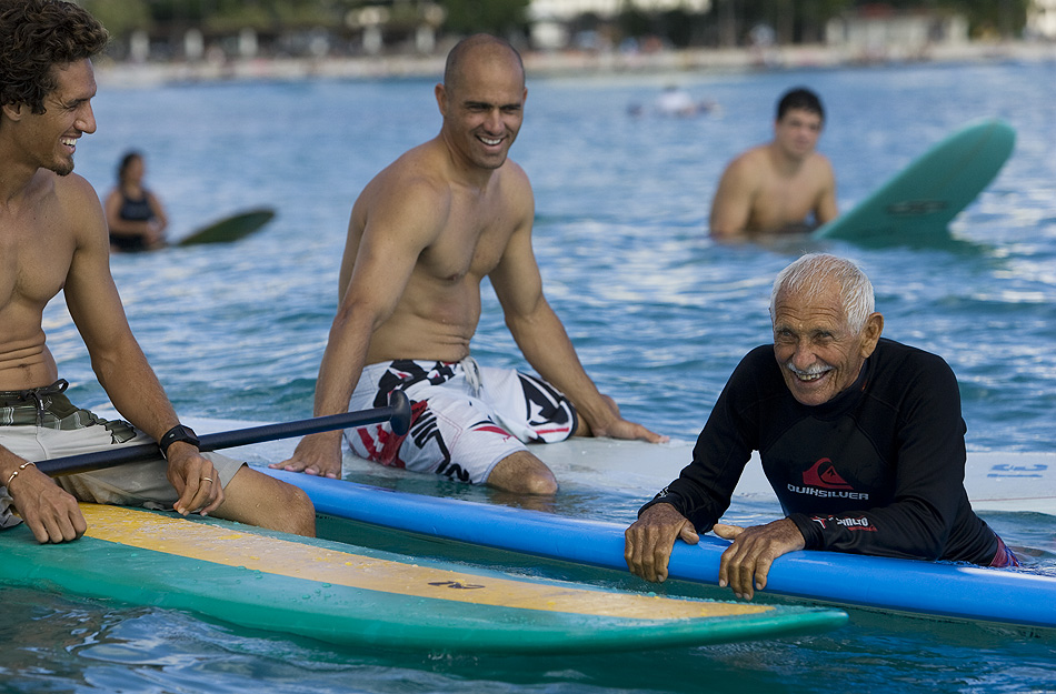 Doc Paskowits takes a break between sets with Kelly Slater and Rob Machado. Photo: Aichner