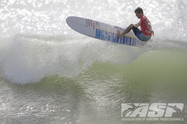 Harley Ingleby (AUS) defeated fellow Australian Mitch Surman in Round One of the SriLankan Airlines Pro today. Credit: © ASP/Will
