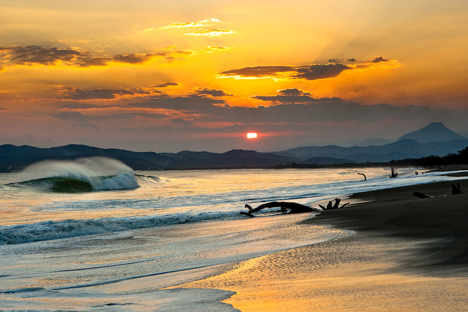 All the elements come into play amid a warm Mexican sunset. Photo: Burkard
