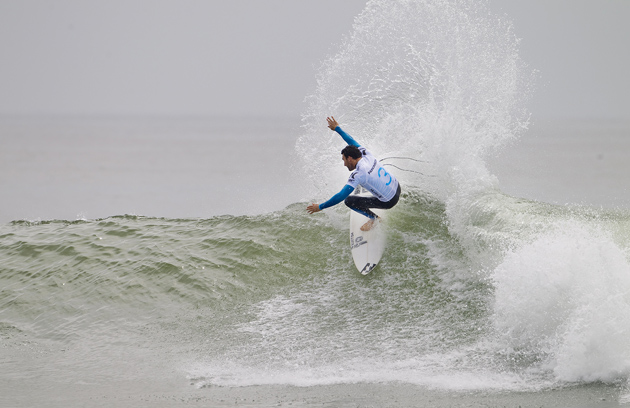 Joel Parkinson (AUS), 30, clinched two heat victories while posting the highest heat-total of Hurley Pro at Trestles competition. Credit: ASP / SCHOLTZ