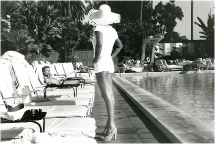 60s poolside glamour
