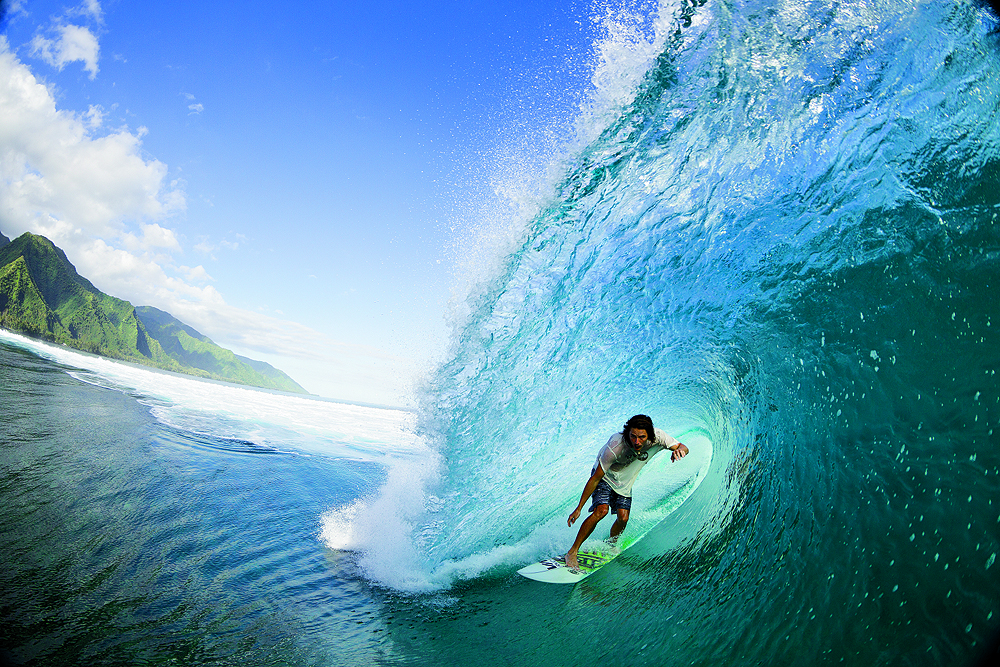 Blue skies, green mountains, and crystal-clear water: all of the elements coming together in Tahiti. Photo: Noyle