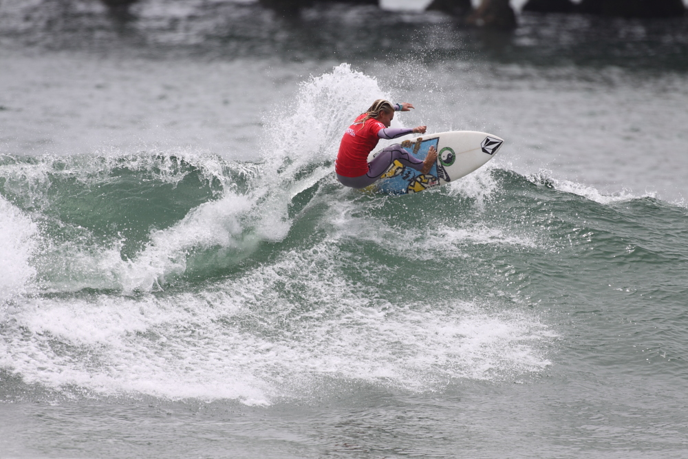 While her winning wave was earned on her backhand, McGill's frontside repertoire was equally impressive. Photo: Shea