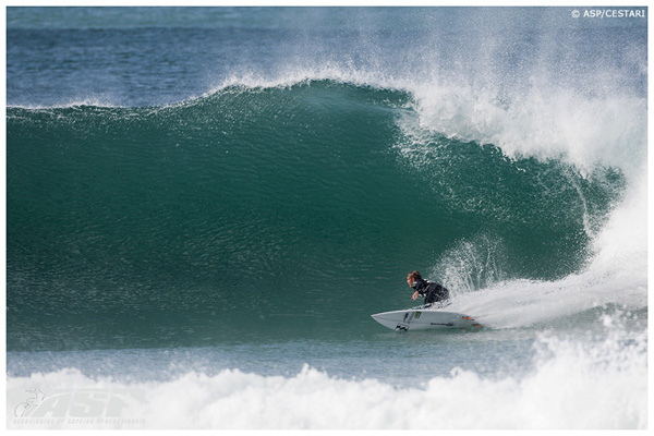 Local talent Dale Staples advanced to the Round of 16 at the Billabong Pro today. Photo: ASP / Cestari