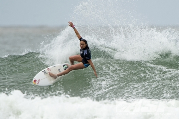 Carissa Moore (HAW), 20, 2011 ASP Women's World Champion, took top honors today at the Roxy Pro Gold Coast. Image Credit: © ASP/ HAYDEN-SMITH