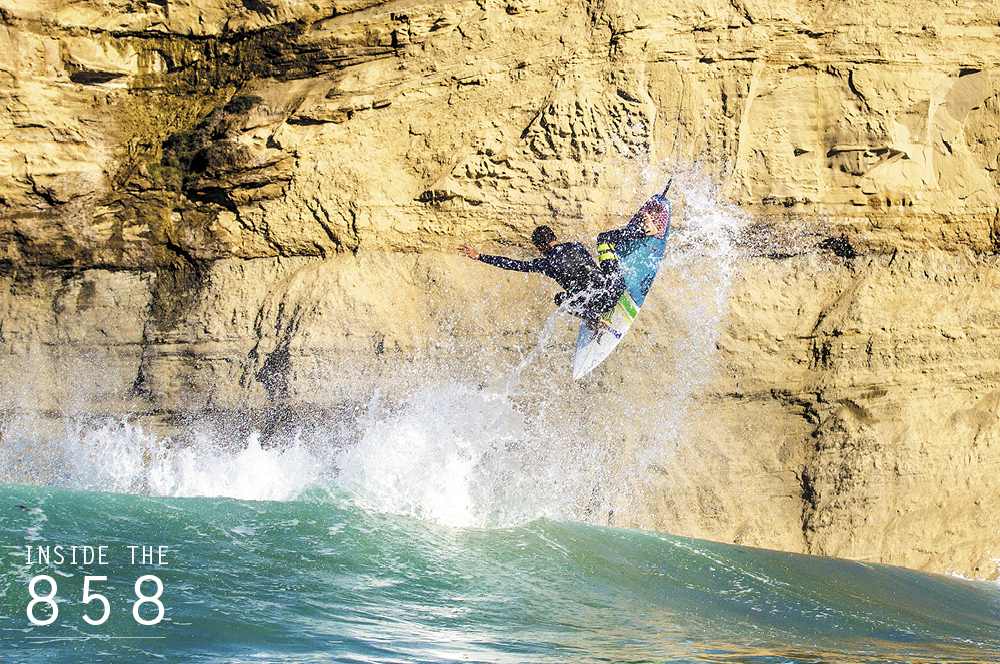 Filipe Toledo gives the paragliders at Blacks a lesson in hang time. Photo: Canavarro